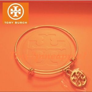 🎉🛍 AUTH. TORY BURCH PENDANT CHARM W/GOLD BANGLE